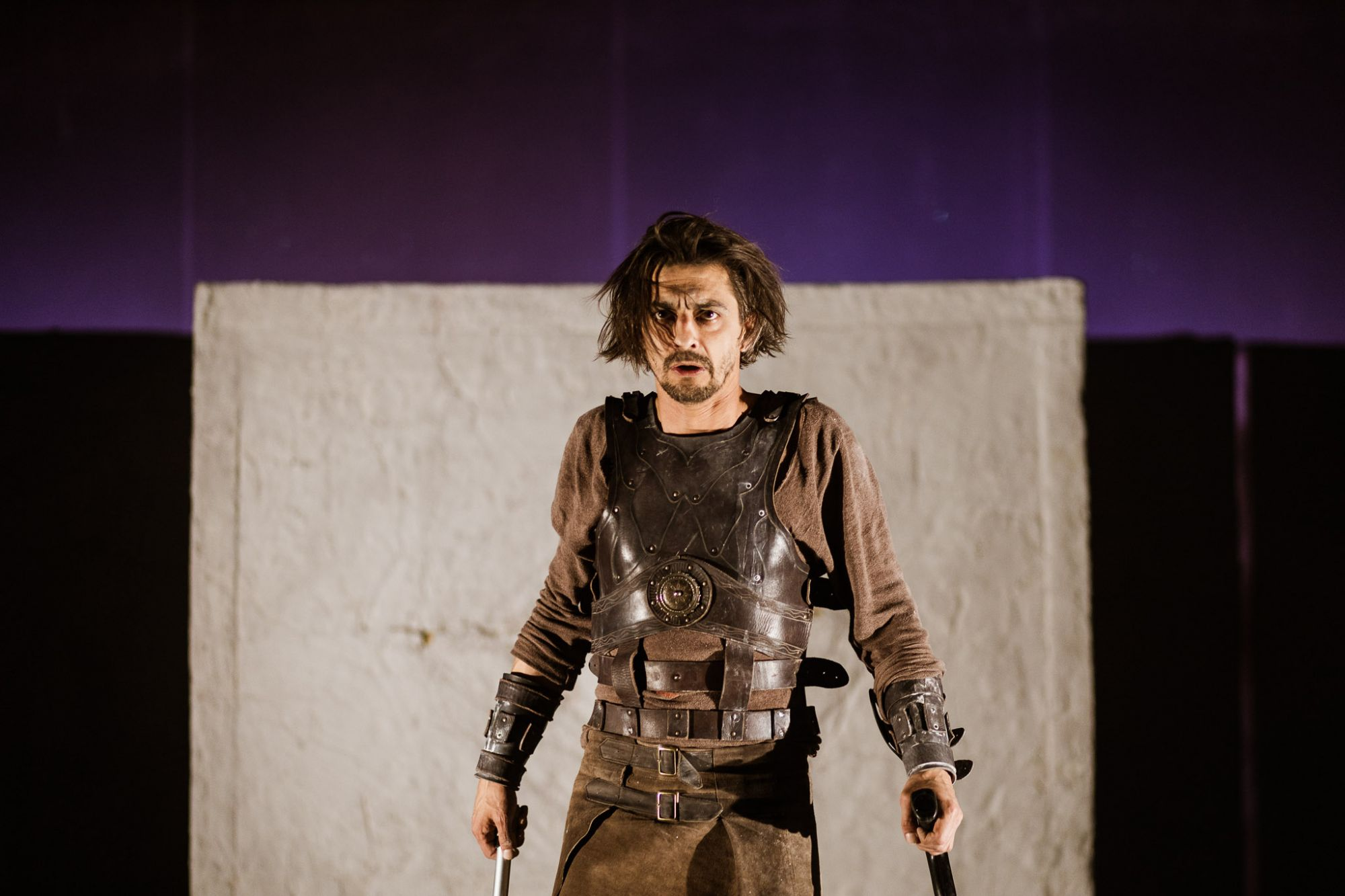 Macbeth a lyukas kezű fúriák markában
