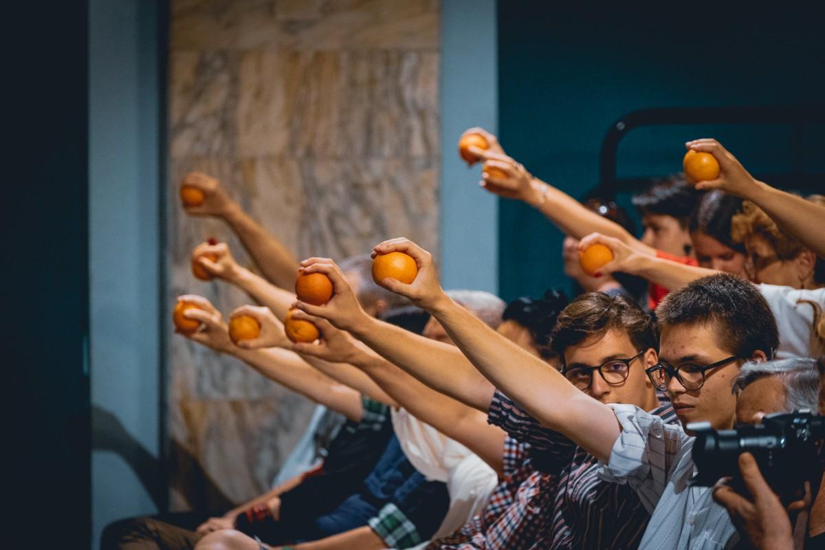 Előadás a narancsról